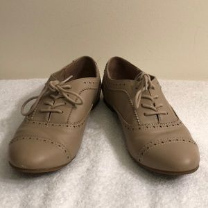 Aldo size 7 lace up loafers.